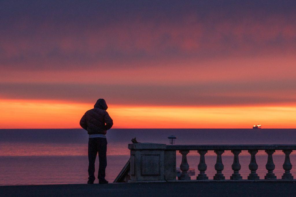 Feuriger Sonnenaufgang über Burgas