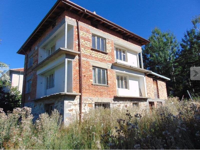 Dreistöckiges Räumiges Haus in Bulgarien-Ezerovo, Smolyan.